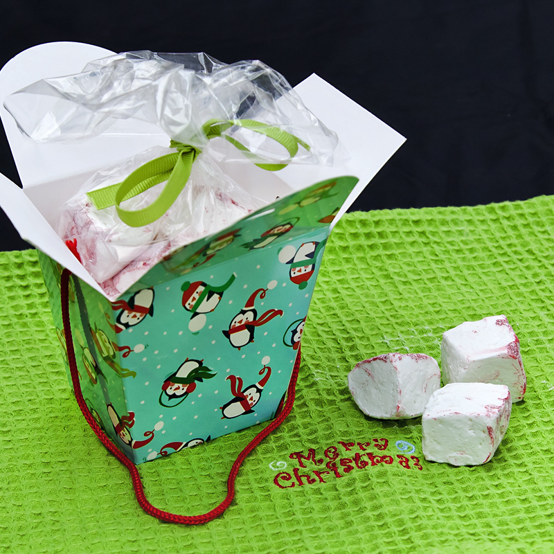 Edible christmas gifts peppermint marshmallows packaged for Edible christmas gifts to make in advance