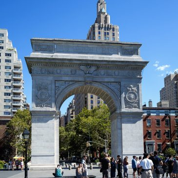A Morning Out in Manhattan: Washington Square Park and the Financial District