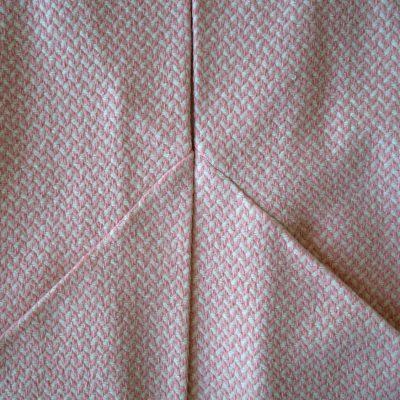 Pockets and diagonal seams.